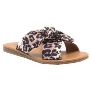 NEW Leopard sandal with knotted bow